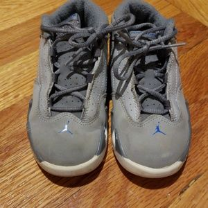 Jordans gray and blue sneakers size 9